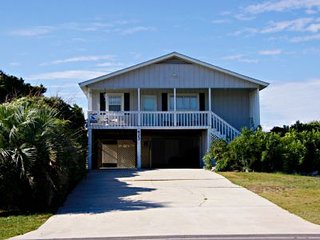 Bright 5 bedroom Caswell Beach House with Deck - Caswell Beach vacation rentals
