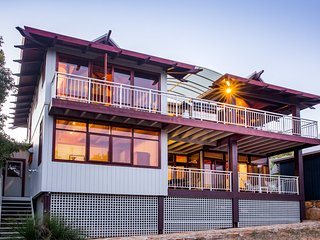 Perfect 4 bedroom Cape Naturaliste House with Balcony - Cape Naturaliste vacation rentals