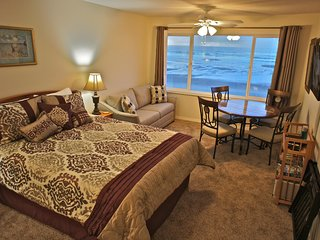 Barnacles of Narnia - Enchanting condo on the edge of the beach - Lincoln City vacation rentals