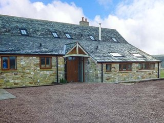 PEGGIES BARN, woodburning stove, double bedrooms with en-suites, Maulds - Maulds Meaburn vacation rentals