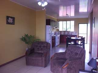 2 Bedrooms apartment x 4 guest, A/C, WiFi,  Kitchen, FK - La Fortuna de San Carlos vacation rentals