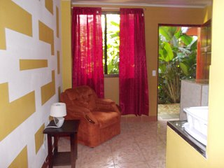 1 Bedrm 1 bath x 2 guests, fully equipped Kitchenete. patio 1FK - La Fortuna de San Carlos vacation rentals