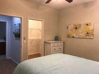 Charming 1 Bed 1 Bath Condo with 1 car garage - Modesto vacation rentals