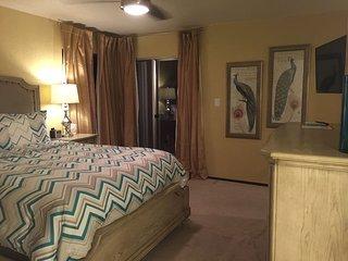 Large NE Modesto 2bed 2 bath duet + 2 car garage - Modesto vacation rentals