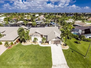 Villa Blue Sky ~ Direct Gulf Sailboat Access ~ Kayaks & Pool Table! - Cape Coral vacation rentals