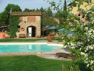 Beautiful House with Shared Outdoor Pool and Television - San Giustino Valdarno vacation rentals