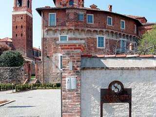 Comfortable Condo with Internet Access and Television - Sandigliano vacation rentals