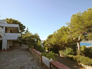 2 bedroom Apartment with Parking in Andora - Andora vacation rentals