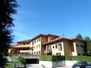 Nice 2 bedroom Condo in Porto Valtravaglia - Porto Valtravaglia vacation rentals
