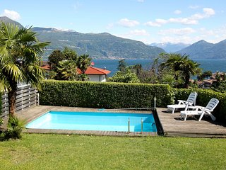Beautiful House with Shared Outdoor Pool and Television - Porto Valtravaglia vacation rentals