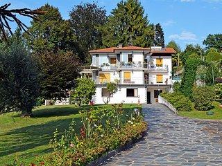 Nice Condo with Television and Microwave - Porto Valtravaglia vacation rentals