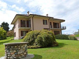 Comfortable 3 bedroom House in Brezzo di Bedero - Brezzo di Bedero vacation rentals