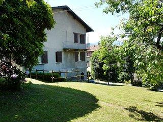 2 bedroom Condo with Television in Brezzo di Bedero - Brezzo di Bedero vacation rentals