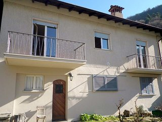 Bright 2 bedroom Cannobio Apartment with Television - Cannobio vacation rentals