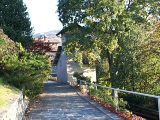 Nice House with Balcony and Parking - Pettenasco vacation rentals