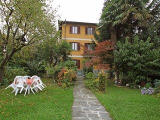 Beautiful 4 bedroom Condo in Lavena Ponte Tresa with Internet Access - Lavena Ponte Tresa vacation rentals