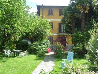 Bright 4 bedroom Vacation Rental in Lavena Ponte Tresa - Lavena Ponte Tresa vacation rentals