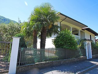 Nice House with Television and Balcony - Porlezza vacation rentals
