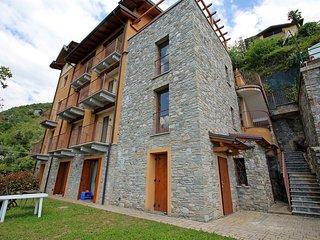 2 bedroom Apartment with Internet Access in Bellano - Bellano vacation rentals