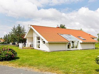 Lovely House in Otterndorf with Television, sleeps 12 - Otterndorf vacation rentals