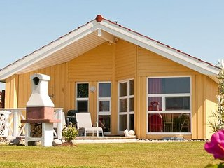 Gorgeous Otterndorf vacation House with Television - Otterndorf vacation rentals