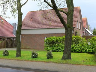 Bright 3 bedroom Jever House with Television - Jever vacation rentals