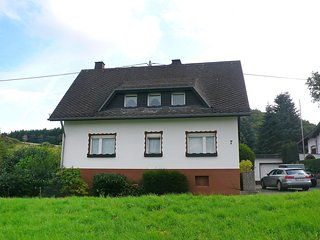 Bright 5 bedroom House in Adenau with Television - Adenau vacation rentals