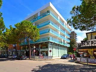 2 bedroom Apartment with Internet Access in Lignano Sabbiadoro - Lignano Sabbiadoro vacation rentals