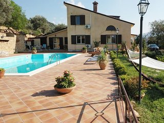 Comfortable House in Reitano with Microwave, sleeps 8 - Reitano vacation rentals
