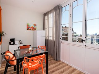 Bright Barcelona Condo rental with Internet Access - Barcelona vacation rentals
