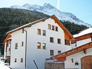 Cozy Apartment with Television and Microwave in Pettneu am Arlberg - Pettneu am Arlberg vacation rentals
