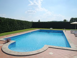 Bright 6 bedroom House in Monte San Savino - Monte San Savino vacation rentals