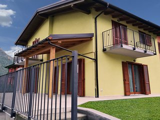 Cozy 2 bedroom Cala Liberotto Apartment with Internet Access - Cala Liberotto vacation rentals