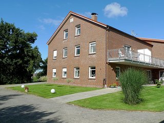 Cozy 3 bedroom Dornumersiel Apartment with Internet Access - Dornumersiel vacation rentals