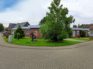 2 bedroom House with Internet Access in Norddeich - Norddeich vacation rentals