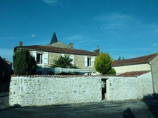 """le relais de la cure chambre d""""hotes - Saint-Juire-Champgillon vacation rentals"""