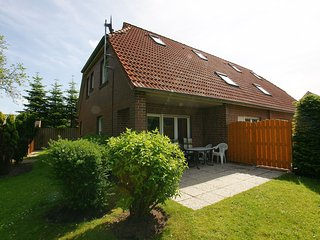 Beautiful 3 bedroom Norddeich House with Internet Access - Norddeich vacation rentals