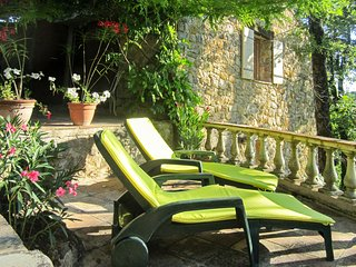 A traditional, 2-bedroom house in Tourrettes with a furnished terrace and verdant views! - Tourrette vacation rentals