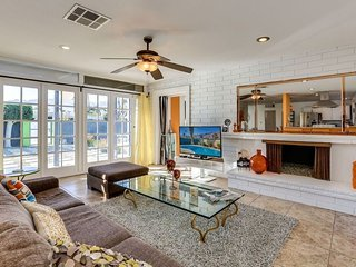 """The """" House Hunters """" Celeb Pool Home Close to Downtown & Convention Center - Palm Springs vacation rentals"""