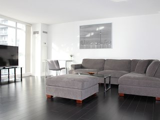 Stunning 3 Bedroom City Place Condo in The Six - Toronto vacation rentals