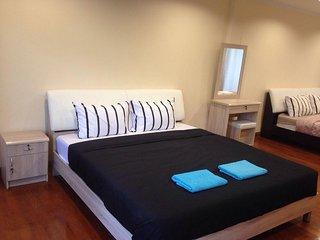 Townhouse luxury 5 BR LUMPINI SATHORN SILOM city center - Bangkok vacation rentals