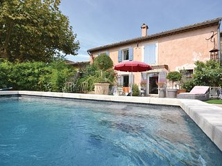 1 bedroom Villa in Cheval Blanc, Vaucluse, France : ref 2220587 - Cheval-Blanc vacation rentals