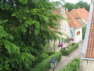 Bright 2 bedroom House in Bourtange with Internet Access - Bourtange vacation rentals