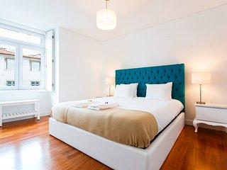 A luxury gem in Chiado! Elevator, Heating and WIFI! - Lisbon vacation rentals