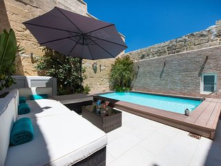 Charming 3 bedroom Mosta Villa with Internet Access - Mosta vacation rentals