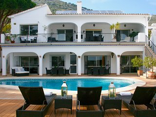 Stunning modern villa in the heart of Mijas Pueblo - Mijas Pueblo vacation rentals