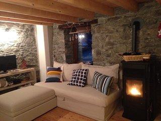 Le Petit Cadeau - il tuo rifugio di charme sulle piste di Crevacol - Saint-Rhemy-en-Bosses vacation rentals