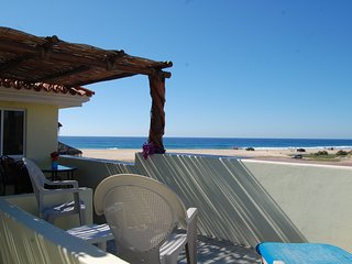 Pescadero Palace Penthouse beachfront with pool,  Jacuzzi, and kitchen! - El Pescadero vacation rentals