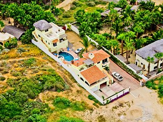 Pescadero Palace 3BR Guest House on Beach w/Pool and Jacuzzi! - Todos Santos vacation rentals