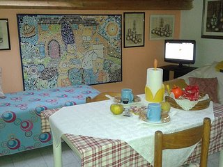 2 bedroom Condo with Internet Access in Legnano - Legnano vacation rentals
